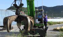 Minister VROMI Christophe Emmanuel on metal grabber cleanup wrecks cars zinz metal