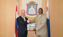 State Secretary Knops meets PM Rafael Boasman