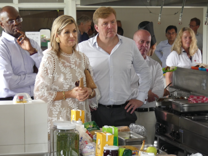 Royal Couple -In the kitchen at Sundial school with Gov Holiday and Raymond Knops in the background 20171202 - HH