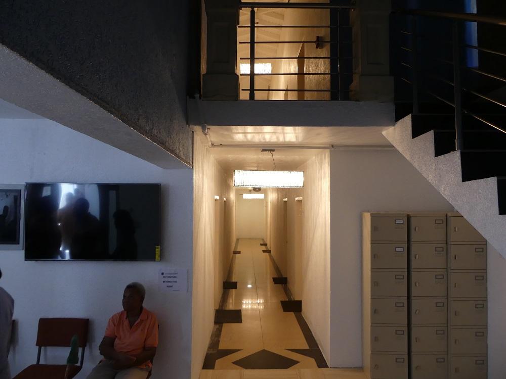 T-shelter hallway - 20180412 HH