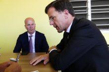 Rutte and State Secretary Raymond Knops - 20180514 HH
