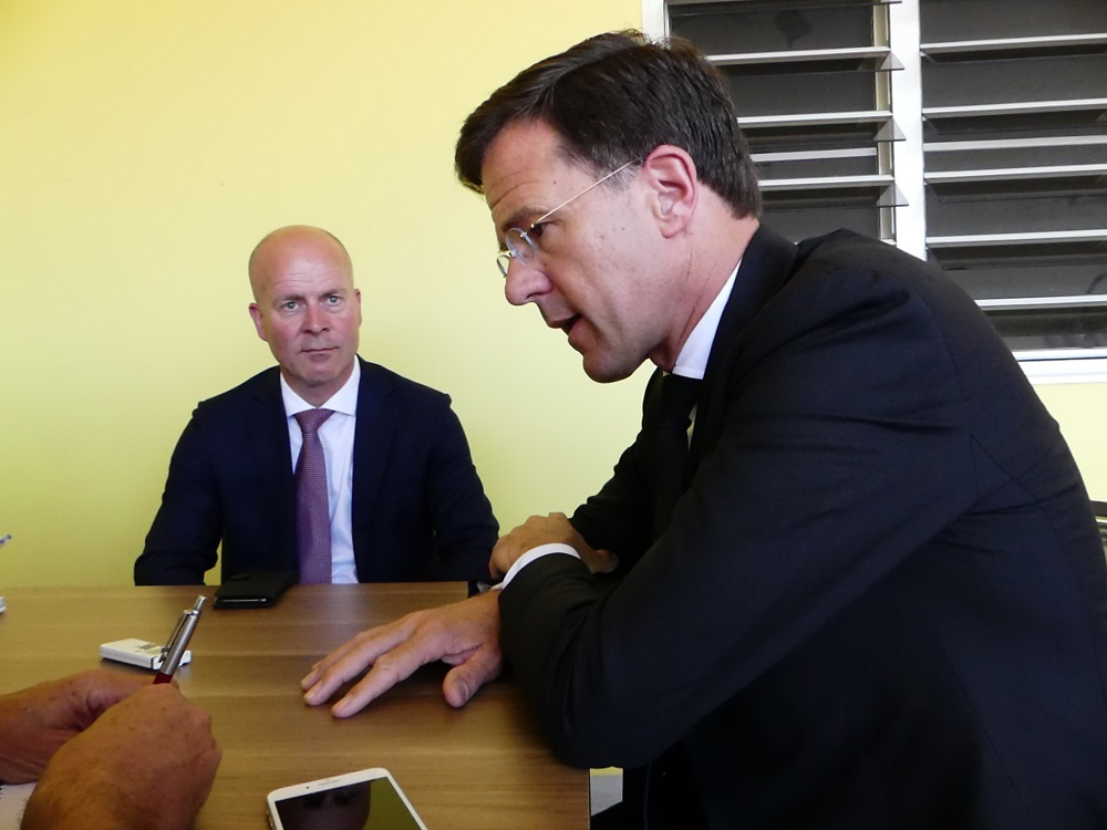Rutte and State Secretary Raymond Knops - 20180514 HH