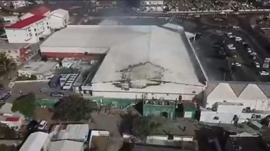 Screenshot Carrefour Market building roof