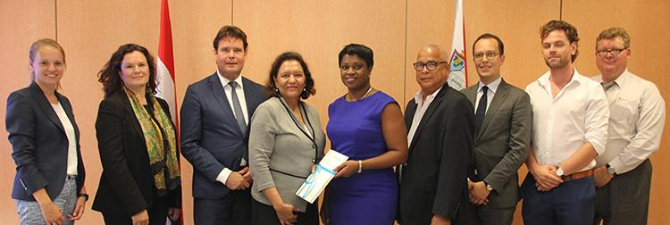 WORLD BANK SIGNING GROUP