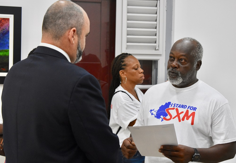Dutch Rep Chris Johnson receiving petition from Elton Jones - 20180829 LB