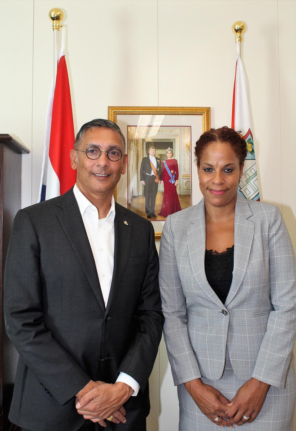 Drs. Nichalin Martina (Tax Office Bonaire) visits Minister of Finance 20092018