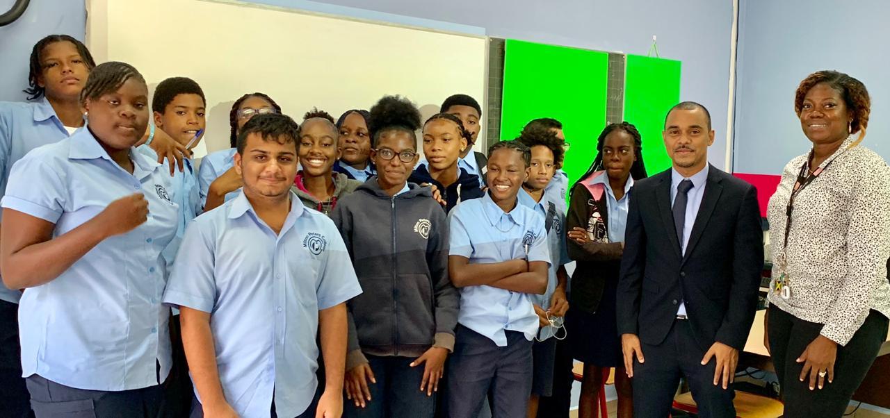 MP Rolando Brison teacher for a day at MPC - 2019081302
