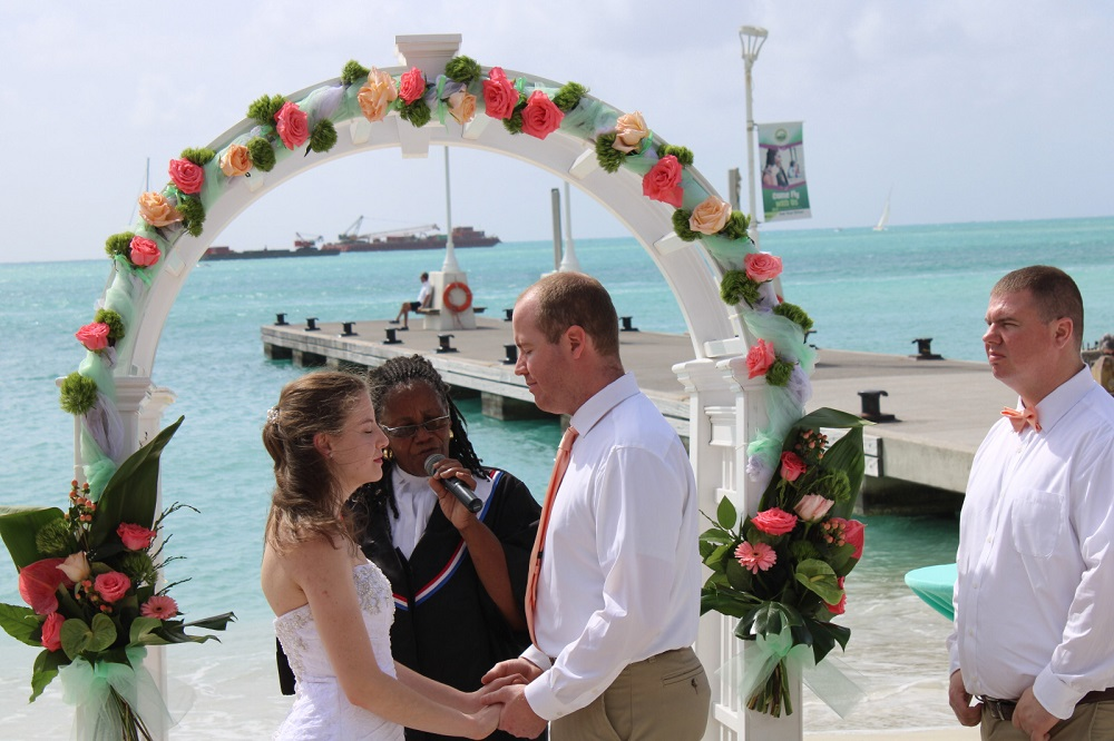 Laid back wedding on Great Bay beach - 2020011601