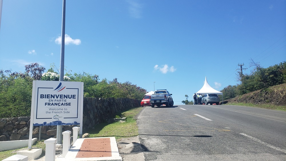 Police border controls Cole Bay - Fly4U SXM