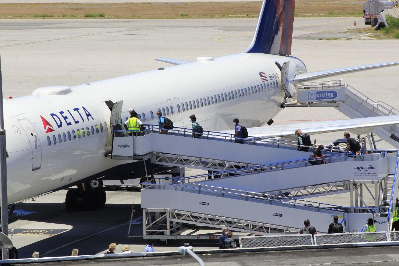 Delta Airlines Repatriation Flight Pax Boarding SXM 14 May 2020