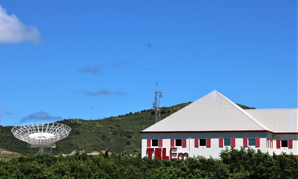 TelEm Satelite Dish Head Office Pond Island - 20200604 JH