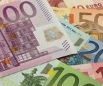 Euro bank notes for liquidity support